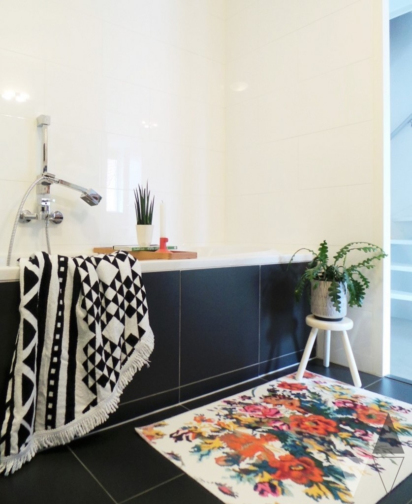 Rozenkelim badmat badkamer styling Lisanne van de Klift